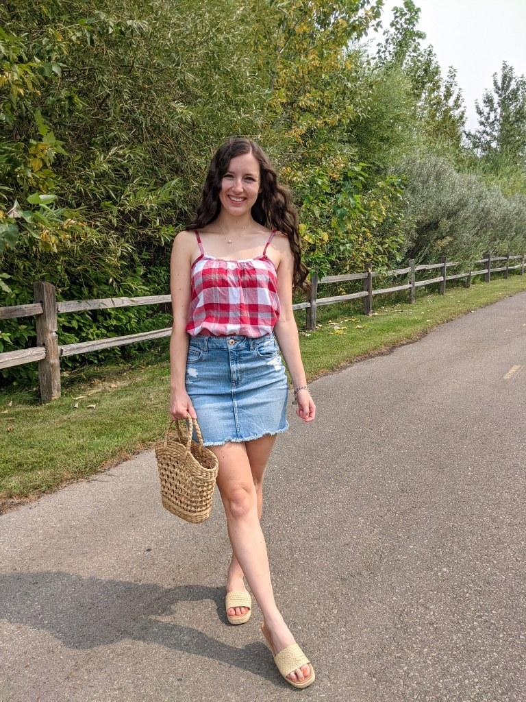 college-fashion-blogger-denim-skirt-american-eagle