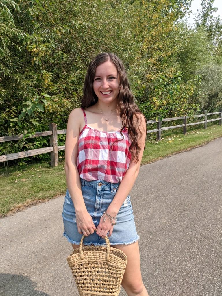 college-fashion-blogger-advice-denim-skirt