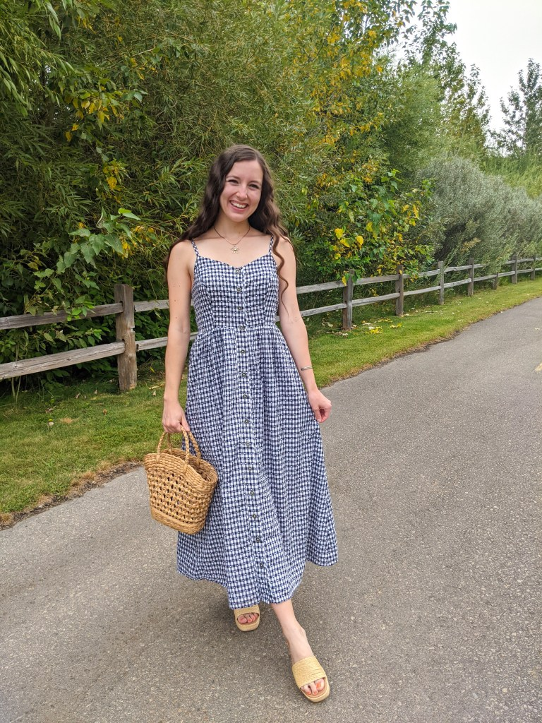gingham-dress-straw-purse-summer-style-fall-transitional-outfit-raffia-slides