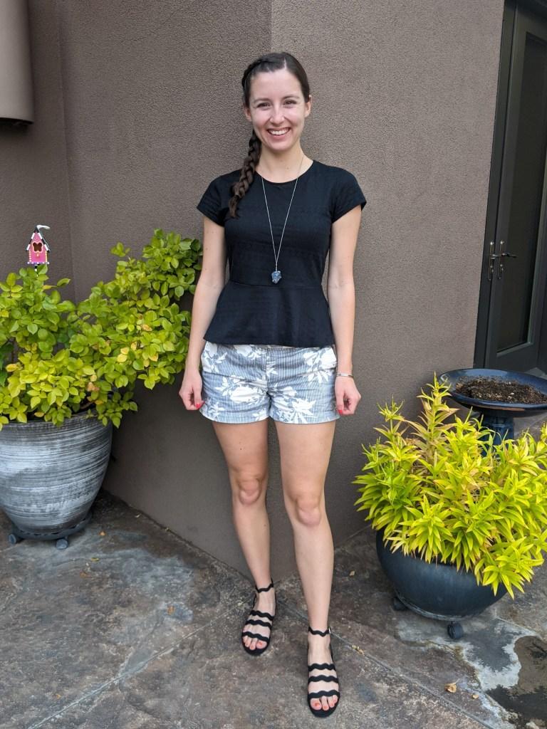 black-peplum-patterned-shorts-black-sandals