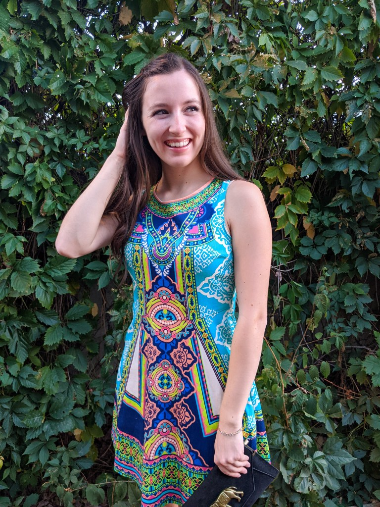 thrifted-dress-secondhand-style-geometric-print-deja-blue-goodwill