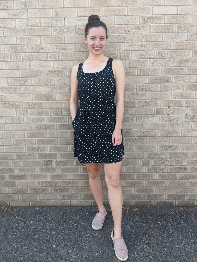 polka-dot-dress-blush-sneakers-college-fashion-blogger